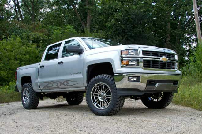 """2014 Chevy 1/2 Ton with 4.5"""" Zone Offroad lift"""